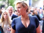 kate-winslet-huge-pregnant-boobs-0910-19.jpg