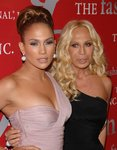 Jennifer-Lopez-dressed-1240528.jpg