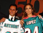 Jennifer-Lopez-dressed-1392058.jpg
