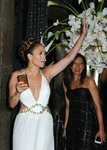 Jennifer-Lopez-dressed-1398393.jpg