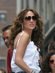 Jennifer-Lopez-dressed-706466.jpg