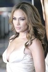 Jennifer-Lopez-sexy-cleavage-1197166.jpg