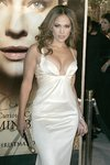 Jennifer-Lopez-sexy-cleavage-1197213.jpg