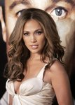 Jennifer-Lopez-sexy-cleavage-1197238.jpg
