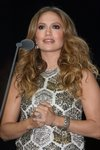 Jennifer-Lopez-dressed-1015586.jpg
