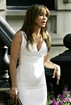 Jennifer-Lopez-dressed-1392081.jpg