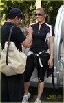 Jennifer-Lopez-dressed-1118376.jpg
