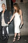 Jennifer-Lopez-dressed-1350395.jpg