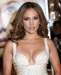 Jennifer-Lopez-sexy-cleavage-1197220.jpg