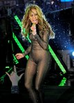 Jennifer-Lopez-dressed-1547524.jpg