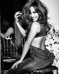 jennifer_lopez_for_guess_spring_2018_campaign_27.jpg
