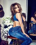 jennifer_lopez_for_guess_spring_2018_campaign_14.jpg