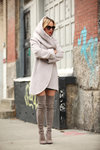 серое-пальто-черные-шорты-серые-ботфорты-original-11733.jpg