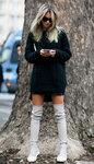 черный-вязаный-свитер-черная-мини-юбка-серые-замшевые-ботфорты-original-21776.jpg