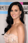 1122_katy_perry_amas_3.jpg